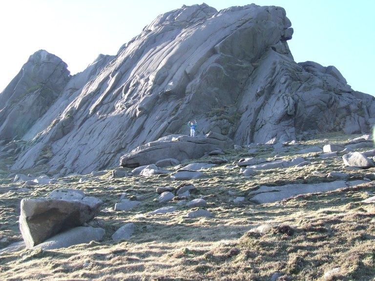 ROCKY SUMMIT OF SLIEVE BEARNAGH