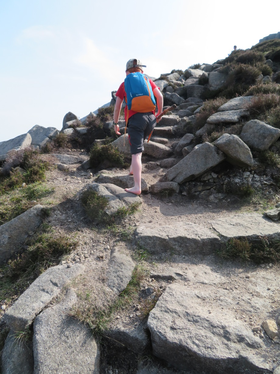 Barefoot on Binnian